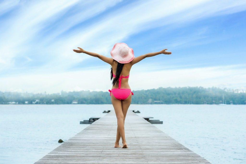 Z piękną sylwetką w sezon bikini
