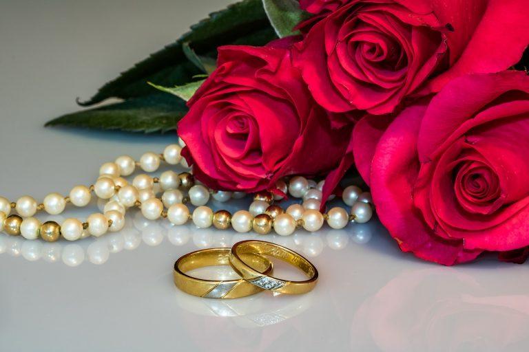 Kobiety kochają złoto