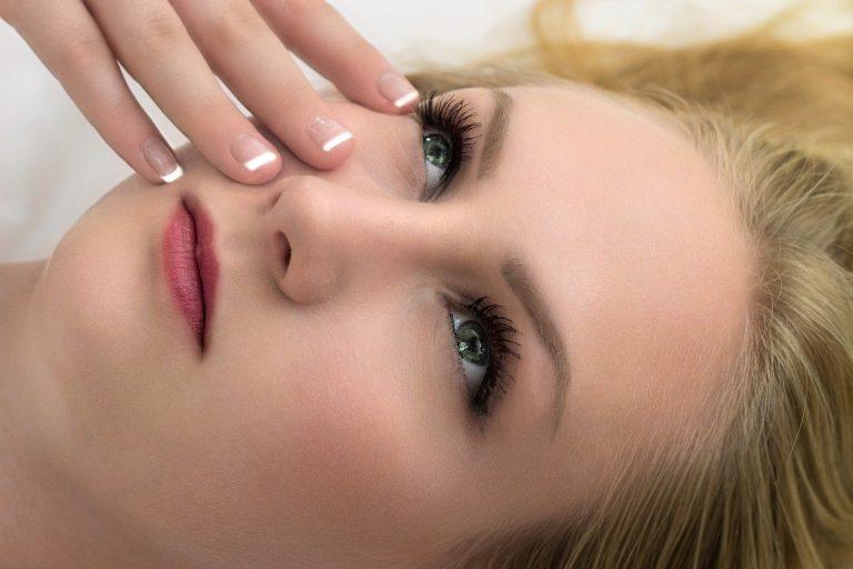 Mikrodermabrazja – zabiegi kosmetyczne, które dogłębnie oczyszczają skórę